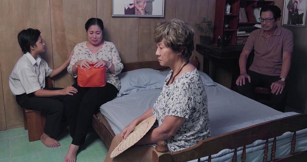 Gạo nếp gạo tẻ tập 93: Sau biết bao lần tạo nghiệp, Hân đã cúi mình nói lời xin lỗi Hương-1