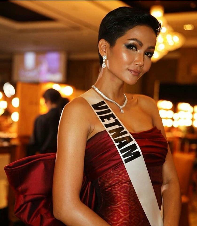 Xem HHen Niê trình diễn thời trang tại Miss Universe 2018, fan Việt chỉ còn biết thốt lên: Quá xuất sắc-10