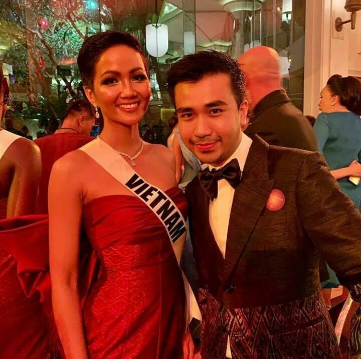 Xem HHen Niê trình diễn thời trang tại Miss Universe 2018, fan Việt chỉ còn biết thốt lên: Quá xuất sắc-16