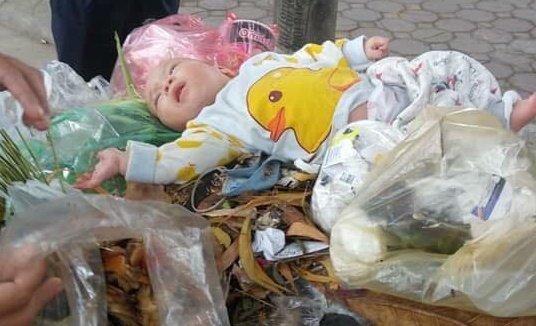 Bé 4 tháng bị bỏ trong thùng rác: Tiết lộ bất ngờ từ Giám đốc làng SOS-2