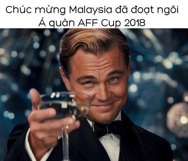 Ảnh chế tạm biệt Thái Lan và pha penalty lên trời để né Việt Nam-6