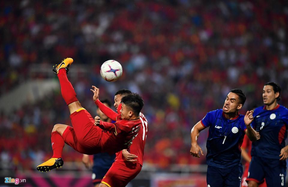 Cứ ra sân là bị kèm cặp, chơi xấu nhưng Quang Hải vẫn tỏa sáng ghi bàn dạy các cầu thủ đội bạn một bài học-3