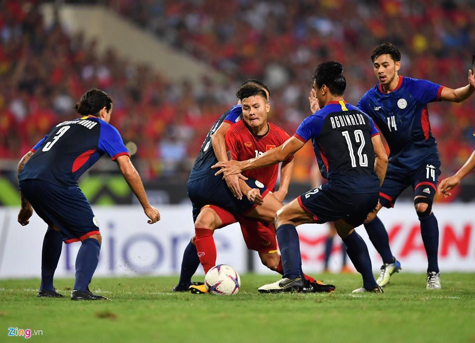 Cứ ra sân là bị kèm cặp, chơi xấu nhưng Quang Hải vẫn tỏa sáng ghi bàn dạy các cầu thủ đội bạn một bài học-9