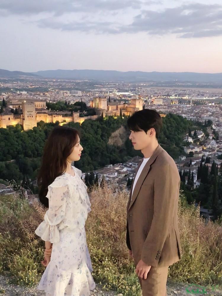 7 nam diễn viên có catse phim truyền hình cao nhất Hàn Quốc 2018: Song Joong Ki - Lee Jong Suk đứng đầu-12