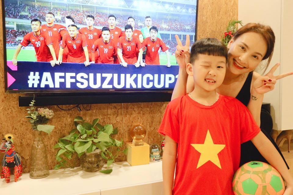 Quý tử nhà Bảo Thanh bình luận cực hay về chiến thắng của tuyển Việt Nam tại bán kết AFF Cup 2018-1