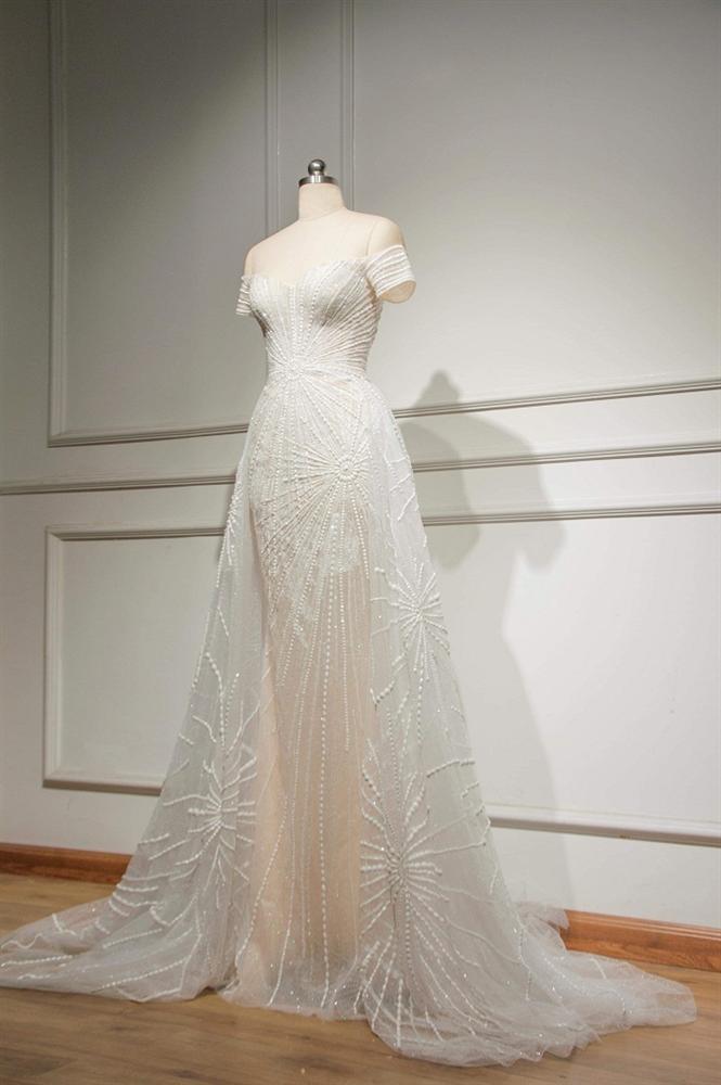 Lộ diện chiếc đầm trắng tinh khôi được Tiểu Vy mặc trong đêm chung kết Miss World 2018-3