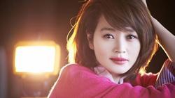 'Chị đại' U50 Kim Hye Soo khoe nhan sắc trẻ đẹp khó tin trong bộ ảnh mới