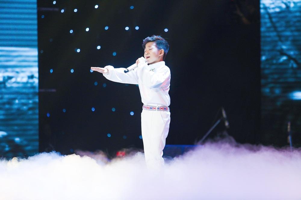 Soobin Hoàng Sơn bất đồng quan điểm với Hồ Hoài Anh trên ghế nóng-1