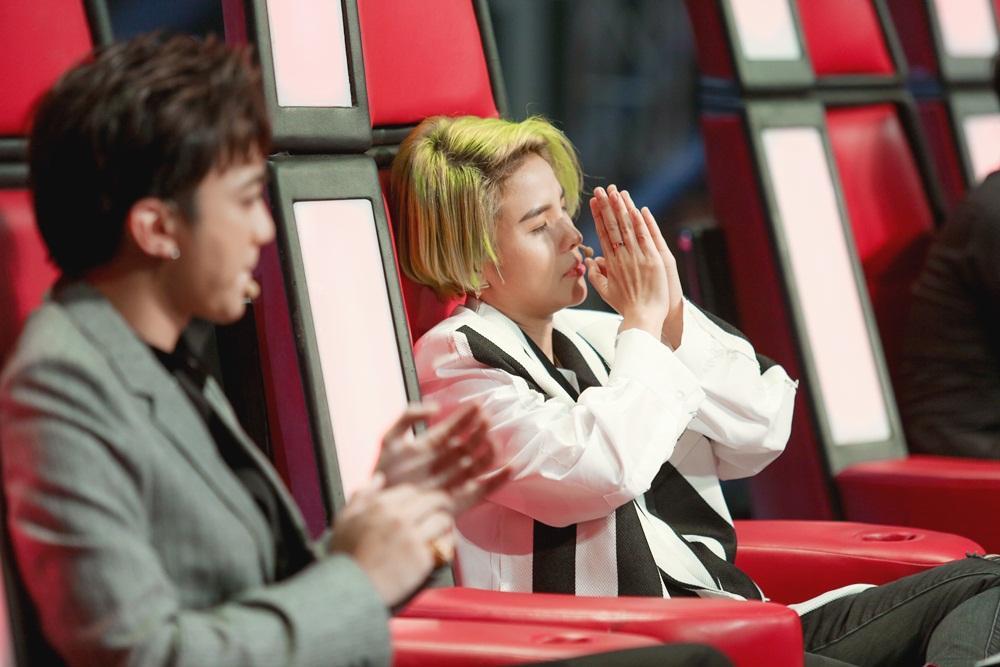 Soobin Hoàng Sơn bất đồng quan điểm với Hồ Hoài Anh trên ghế nóng-4