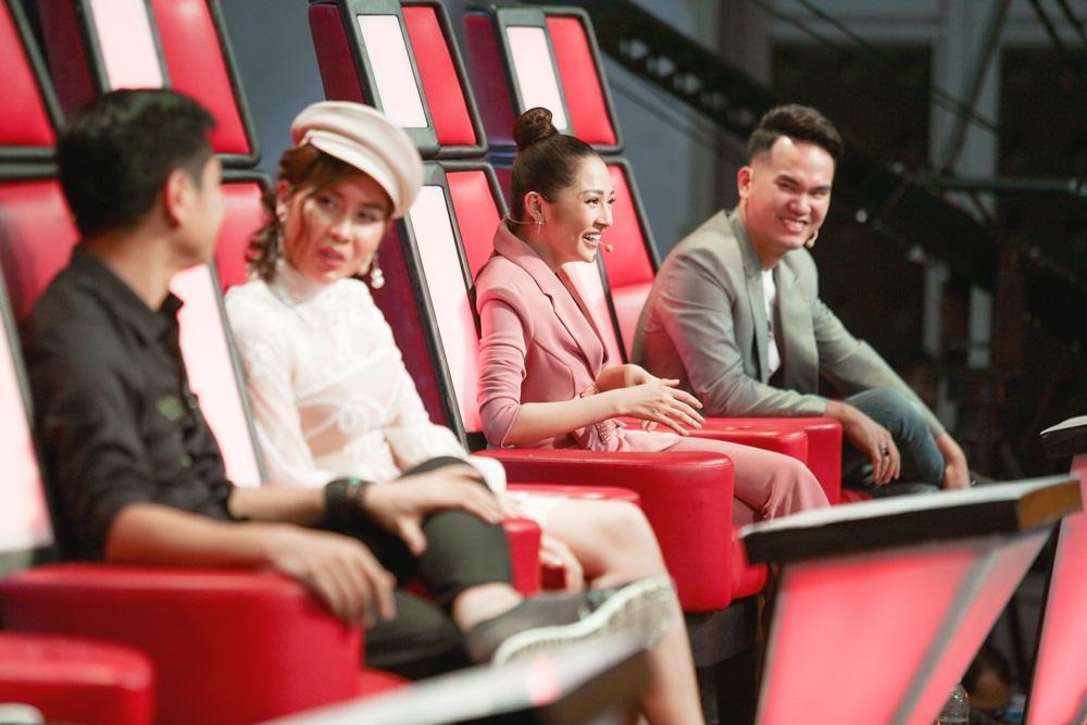 Soobin Hoàng Sơn bất đồng quan điểm với Hồ Hoài Anh trên ghế nóng-6