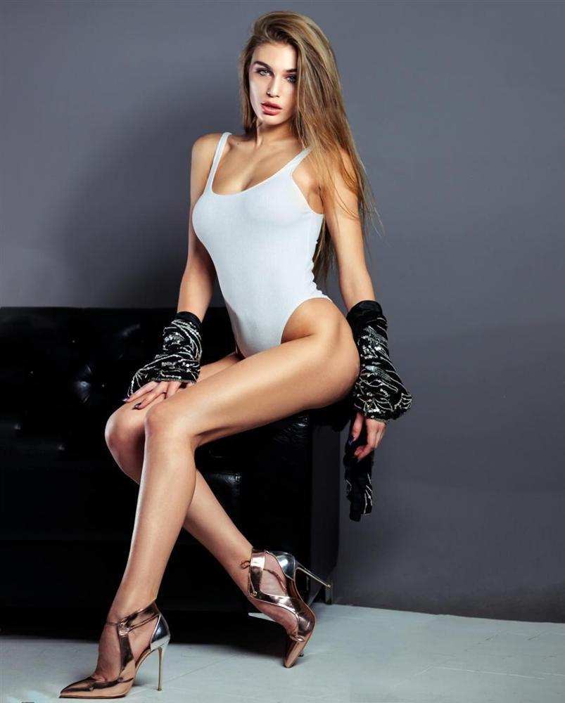 Thí sinh tạo dáng phản cảm, bị nghi trốn khỏi Hoa hậu Hoàn vũ hóa ra chính là quả bom sex nổi tiếng-14
