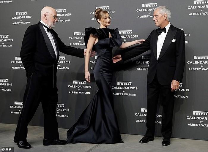 Hoa đán Châu Tấn lạ lẫm cá tính trong kiểu tóc ngắn tại show Chanel ở New York-10