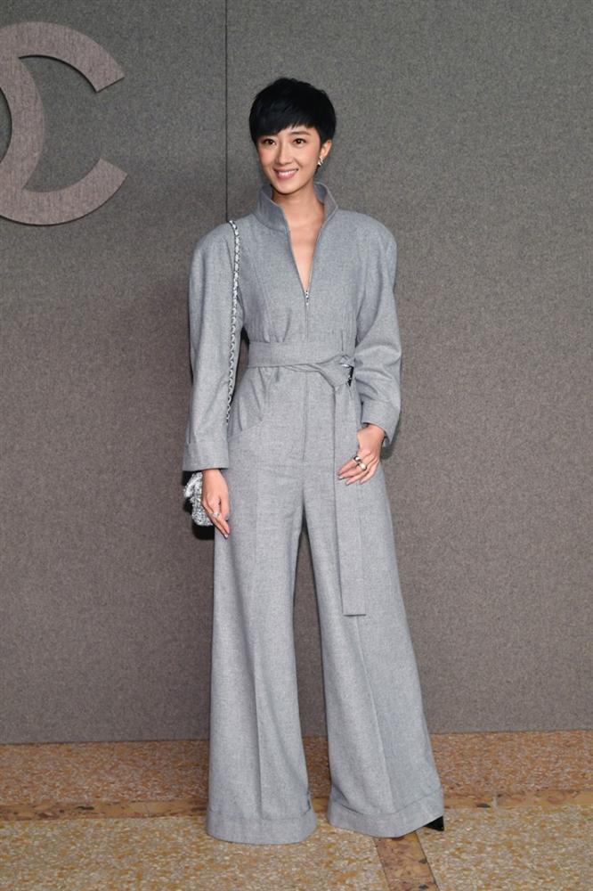 Hoa đán Châu Tấn lạ lẫm cá tính trong kiểu tóc ngắn tại show Chanel ở New York-3