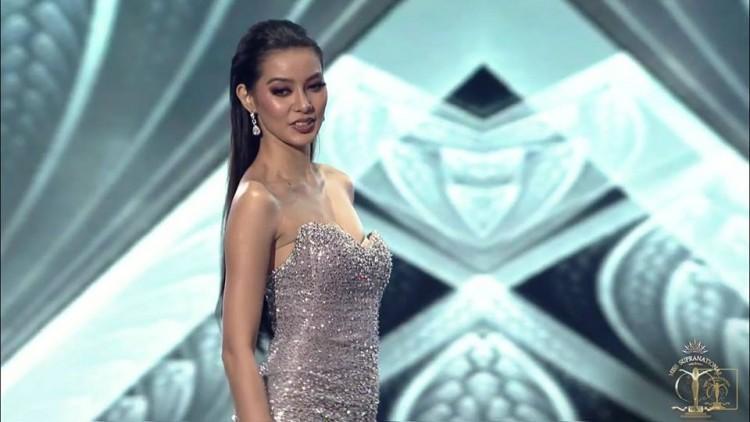 Đại diện Philippines bị kẻ xấu giật hỏng khóa váy ngay trong chung kết Hoa hậu Siêu quốc gia 2018-1