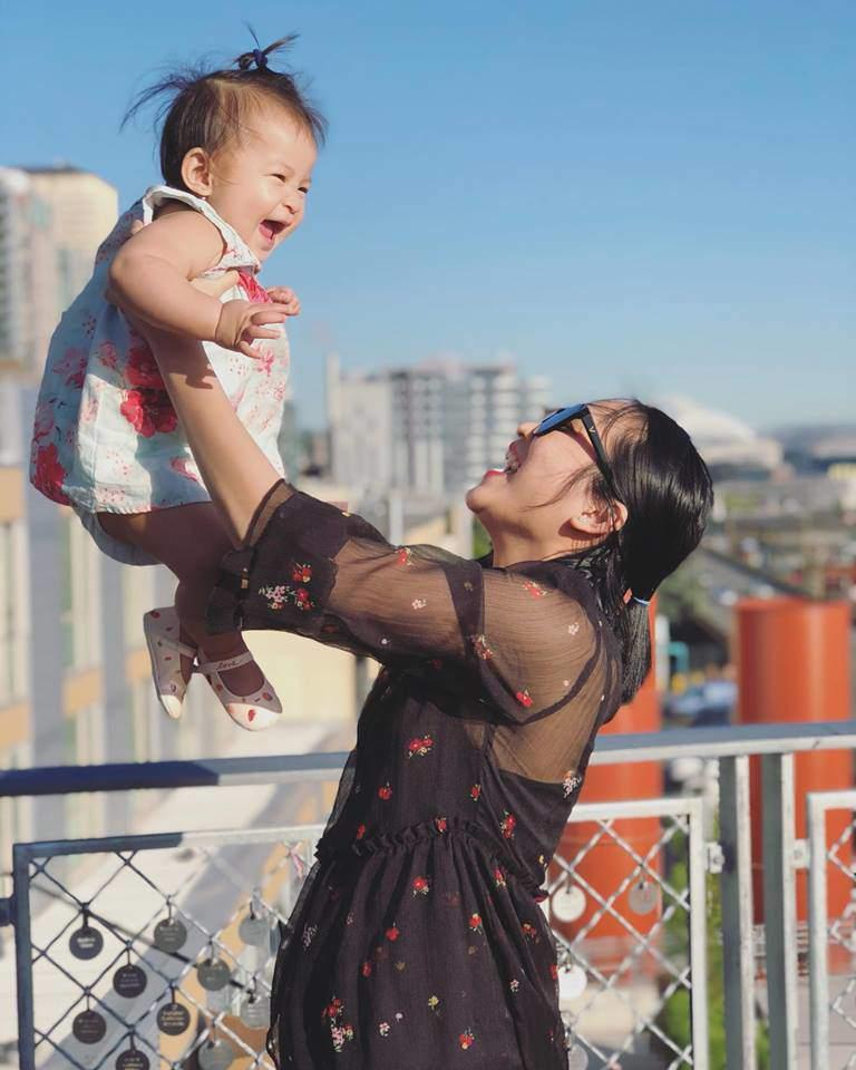 Ít khi khoe hình, nhiều người bất ngờ con gái ca sĩ Lam Trường mới 2 tuổi thôi mà đã có tướng mỹ nhân tương lai rồi-1