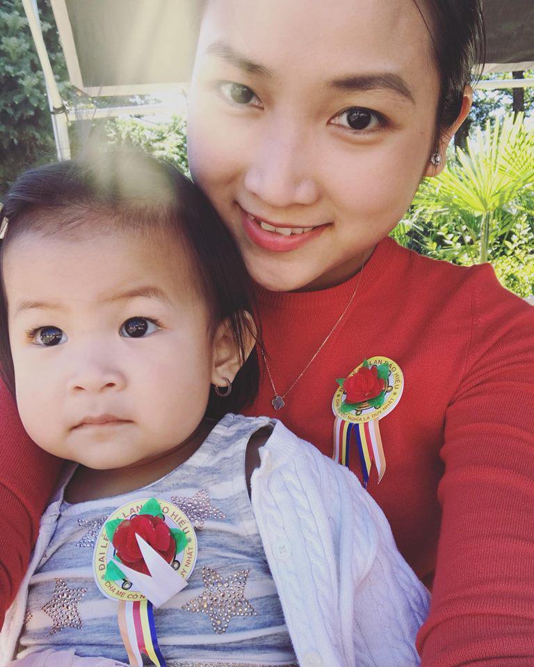 Ít khi khoe hình, nhiều người bất ngờ con gái ca sĩ Lam Trường mới 2 tuổi thôi mà đã có tướng mỹ nhân tương lai rồi-4
