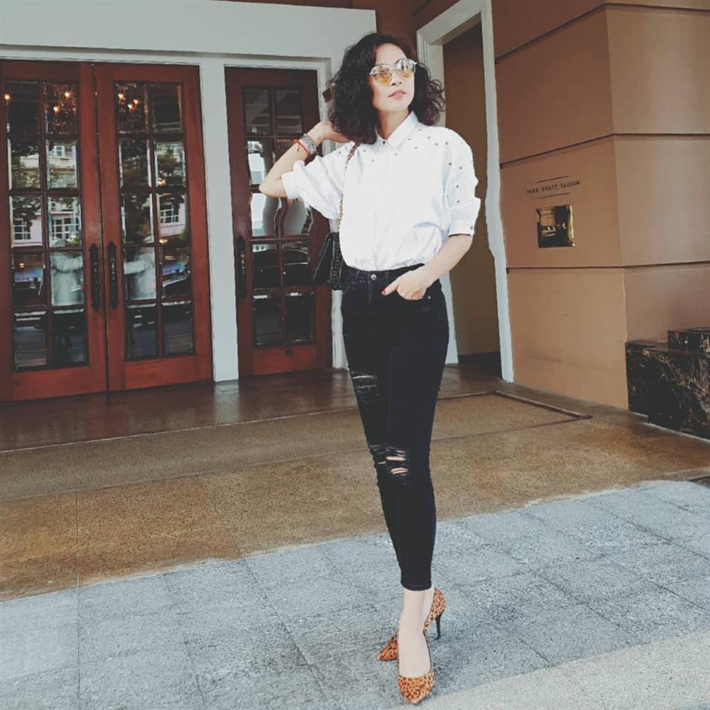 Phạm Quỳnh Anh vui vẻ thưởng thức món ngon hè phố giữa thời điểm bị nghi lơ đẹp Bảo Anh-11