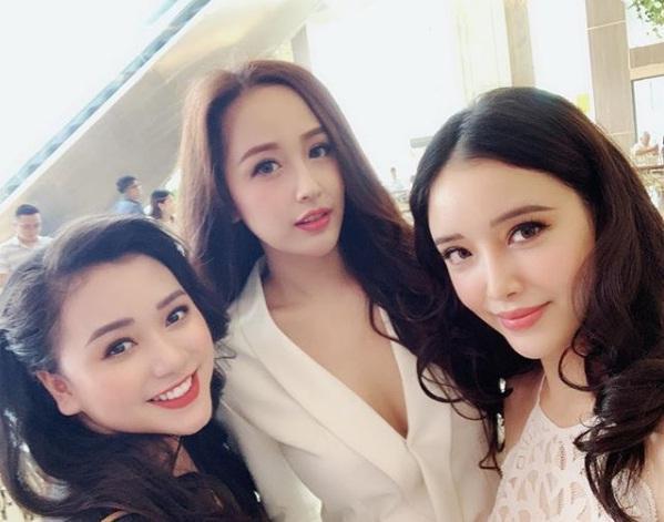 Phạm Quỳnh Anh vui vẻ thưởng thức món ngon hè phố giữa thời điểm bị nghi lơ đẹp Bảo Anh-5