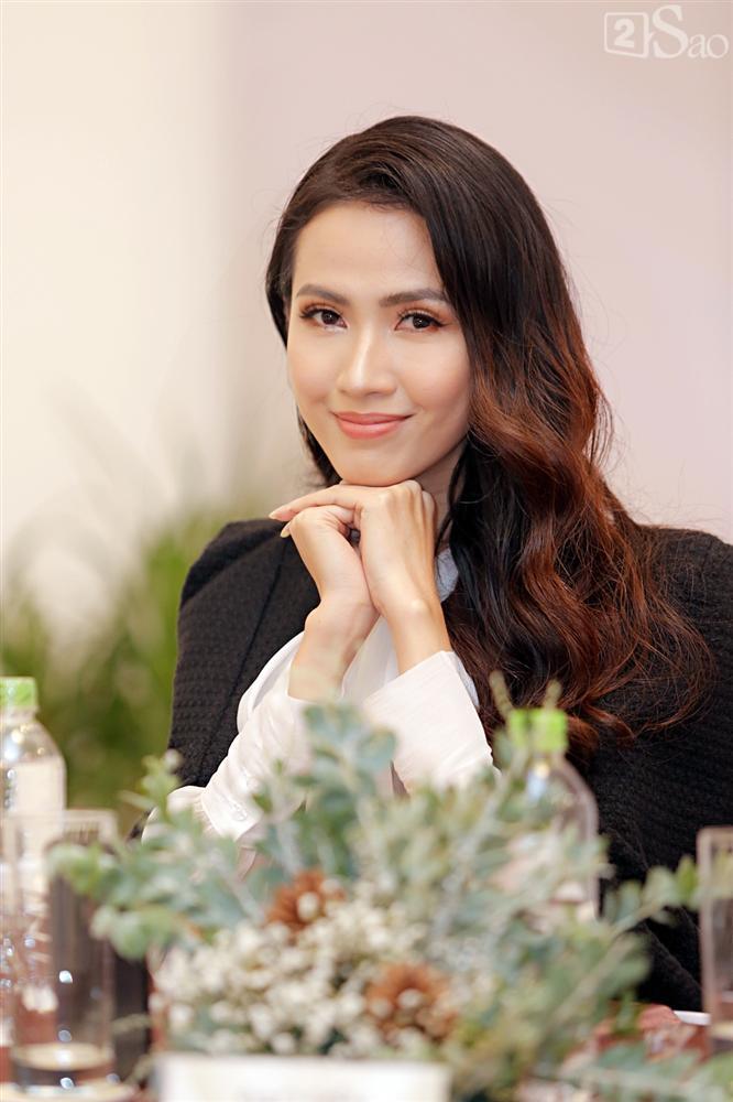 Phan Thị Mơ thừa nhận sụt cân không phanh sau khi thi Hoa hậu Đại sứ Du lịch Thế giới 2018-2
