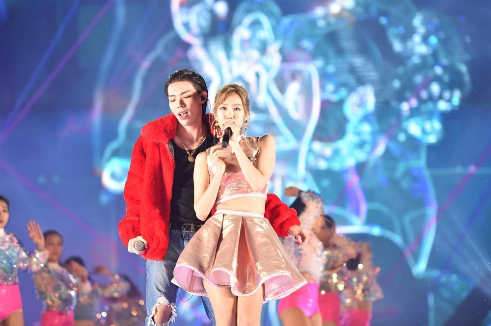 Bất chấp mưa lạnh, người hâm mộ vẫn quẩy hết mình với BTOB, Bích Phương, Soobin Hoàng Sơn-4