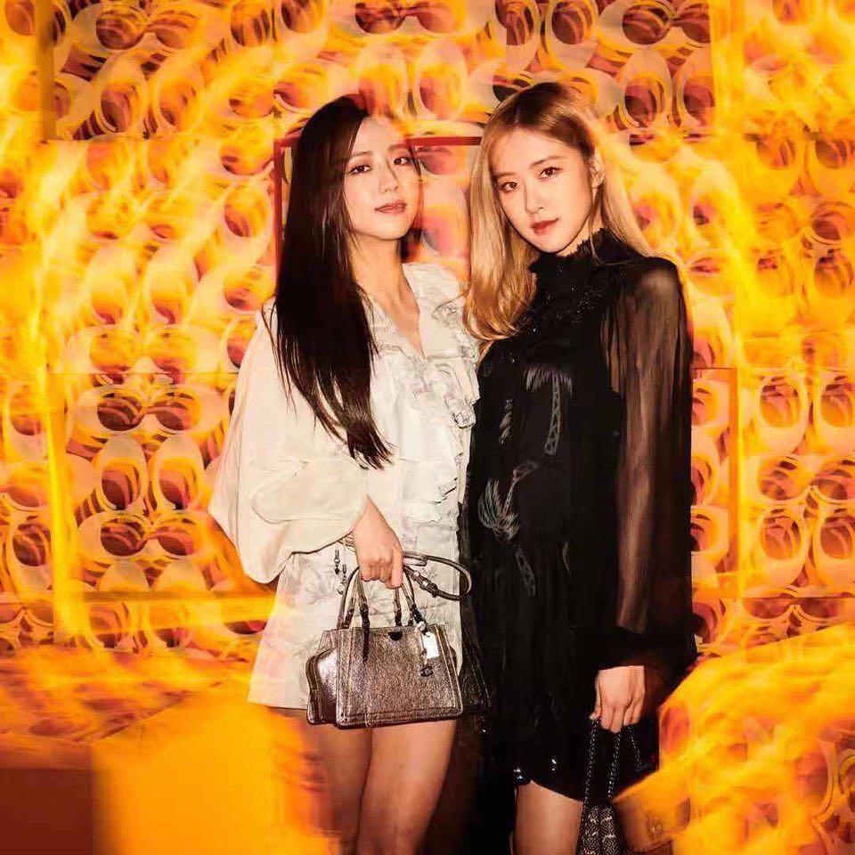 Không cần Jennie xuất hiện, Black Pink Jisoo và Rose vẫn đẹp và nổi bật tại sự kiện-1