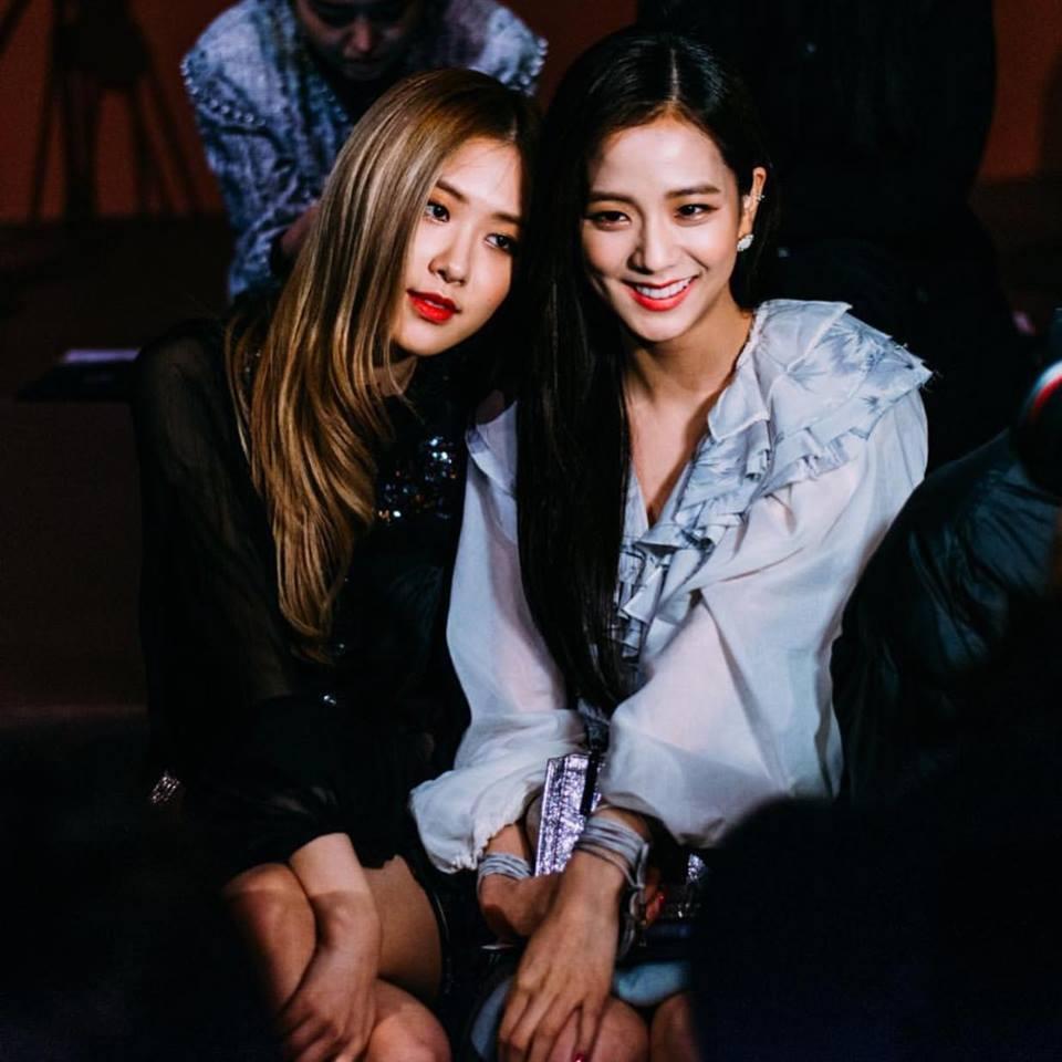 Không cần Jennie xuất hiện, Black Pink Jisoo và Rose vẫn đẹp và nổi bật tại sự kiện-2