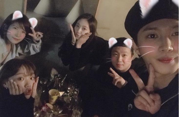 Không cần Jennie xuất hiện, Black Pink Jisoo và Rose vẫn đẹp và nổi bật tại sự kiện-7