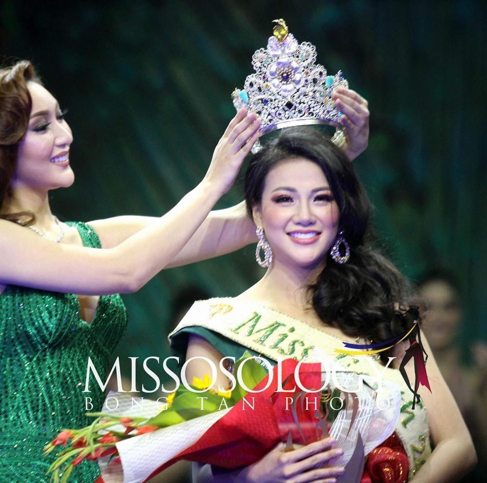 SHOCK: Hoa hậu Trái Đất 2018 Phương Khánh bị người định hướng tiết lộ vô ơn, đoạt giải nhờ nghệ thuật ẩn dụ bằng tiền-1