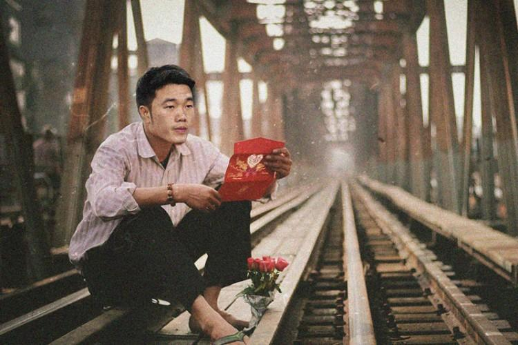 Loạt ảnh chế các tuyển thủ Việt Nam tranh thủ về quê bên vườn chuối, bờ ao tương tư như những chàng thơ gây sốt-3