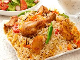 Nạp năng lượng cổ vũ Việt Nam với các món ăn Malaysia hợp khẩu vị