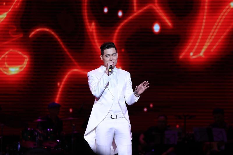 Phượng hoàng nhạc vàng Tuấn Vũ tái hiện nhiều bản bolero bất hủ trong 4 giờ đồng hồ liên tục-5
