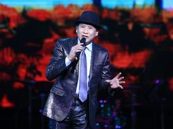 'Phượng hoàng nhạc vàng' Tuấn Vũ tái hiện nhiều bản bolero bất hủ trong 4 giờ đồng hồ liên tục
