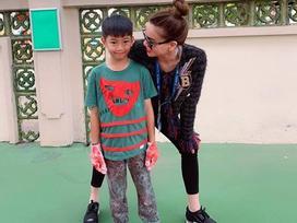 Hồ Ngọc Hà thích thú khi gặp lại con trai Subeo sau chuyến xuất ngoại lưu diễn dài ngày
