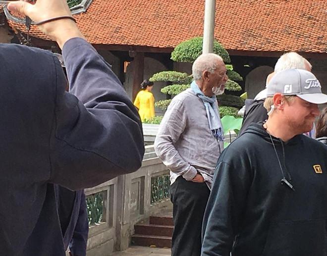 Diễn viên từng giành giải Oscar Morgan Freeman lặng lẽ tới Việt Nam-2