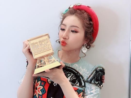 'Vồ ếch' trên sân khấu MAMA, Orange còn khiến khán giả bất ngờ hơn khi hát 'Người lạ ơi!' bằng tiếng Hàn cực chuẩn