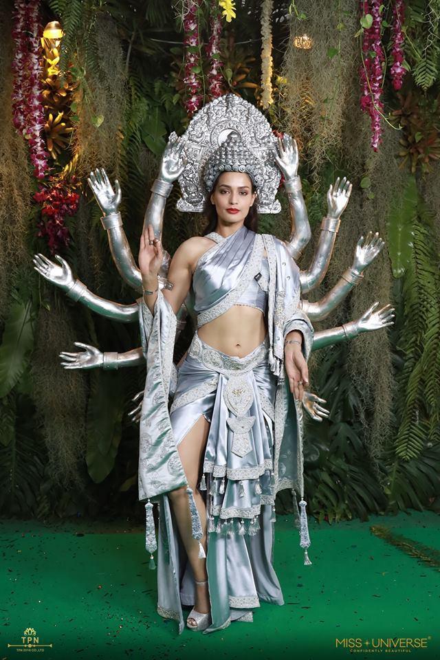 Miss Universe 2018: Quốc phục của châu Mỹ hoành tráng nhưng các thí sinh châu Á mới là đỉnh cao sáng tạo-16