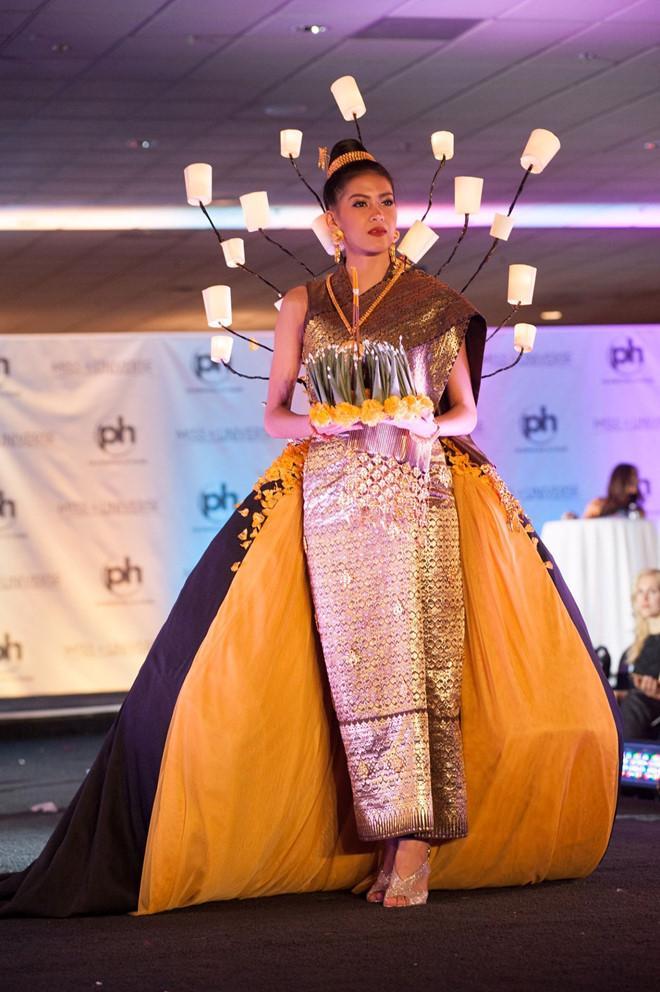 Chiêm ngưỡng loạt quốc phục khủng của Hoa hậu Lào qua các năm thi MISS-3