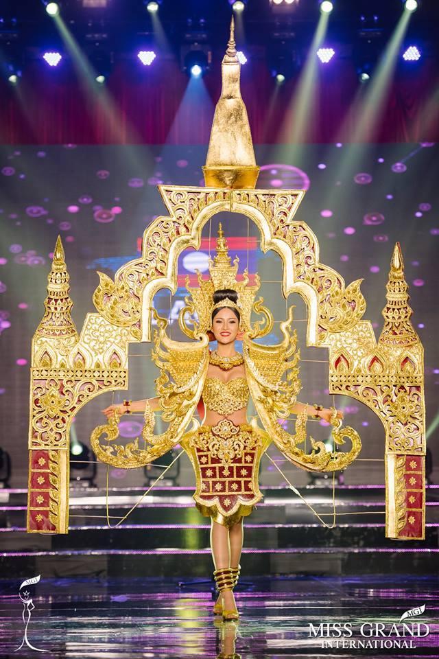 Chiêm ngưỡng loạt quốc phục khủng của Hoa hậu Lào qua các năm thi MISS-5