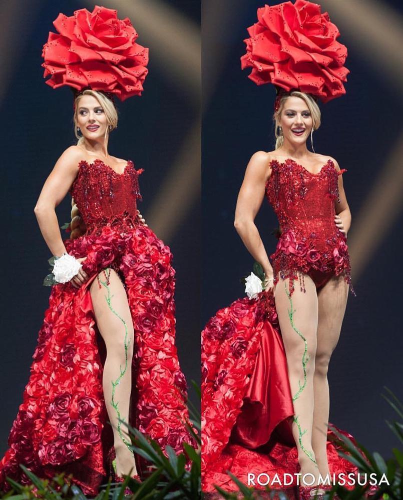 Diện quốc phục hoa hồng, Sarah Hồng Hạ giới thiệu tên mình quá đặc sắc tại Miss Universe 2018-3