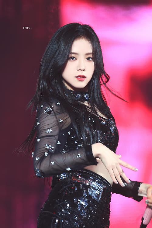 Không phải Jennie, chính Jisoo Black Pink mới là người sở hữu những khoảnh khắc đẹp đến gây bão-1
