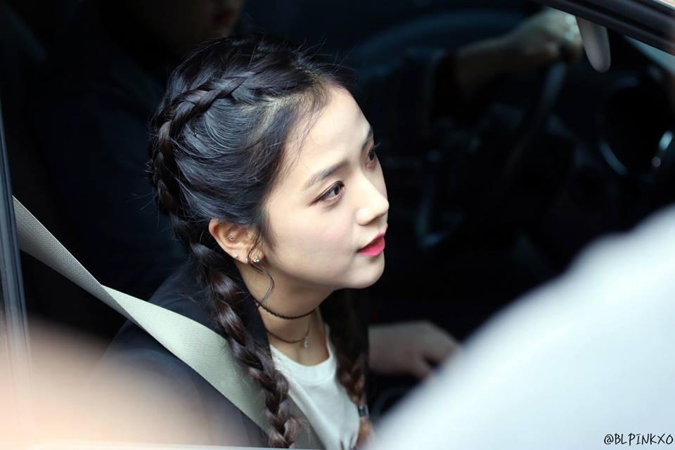 Không phải Jennie, chính Jisoo Black Pink mới là người sở hữu những khoảnh khắc đẹp đến gây bão-15