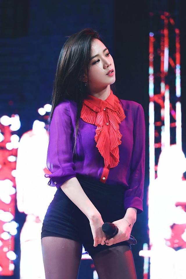 Không phải Jennie, chính Jisoo Black Pink mới là người sở hữu những khoảnh khắc đẹp đến gây bão-6