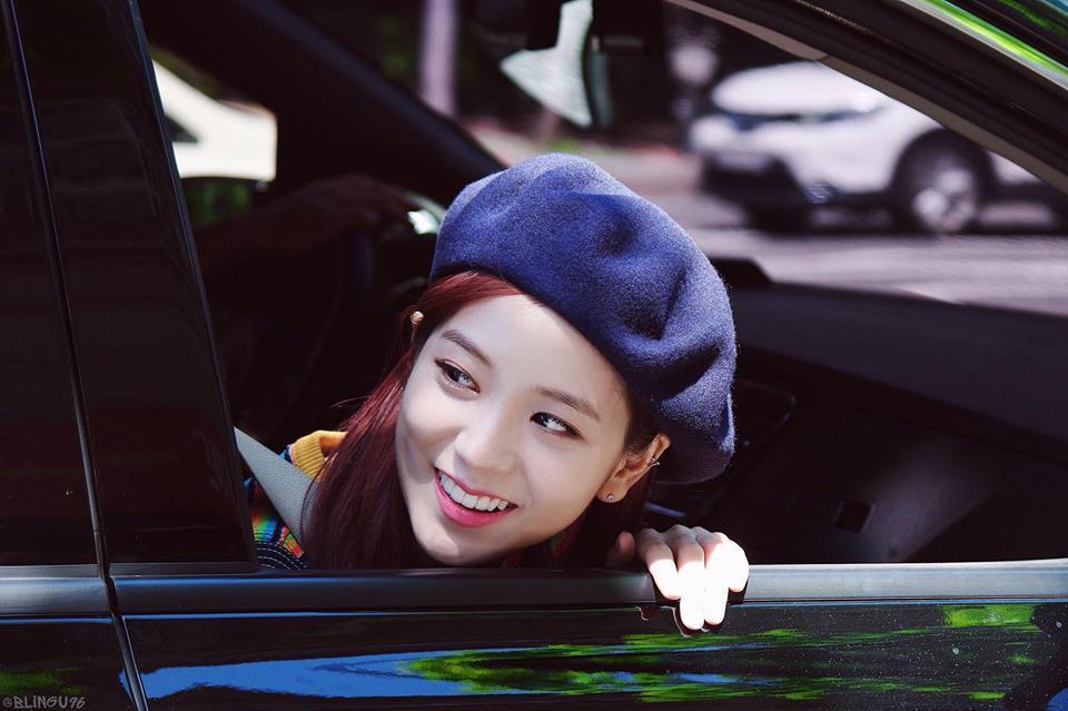 Không phải Jennie, chính Jisoo Black Pink mới là người sở hữu những khoảnh khắc đẹp đến gây bão-9