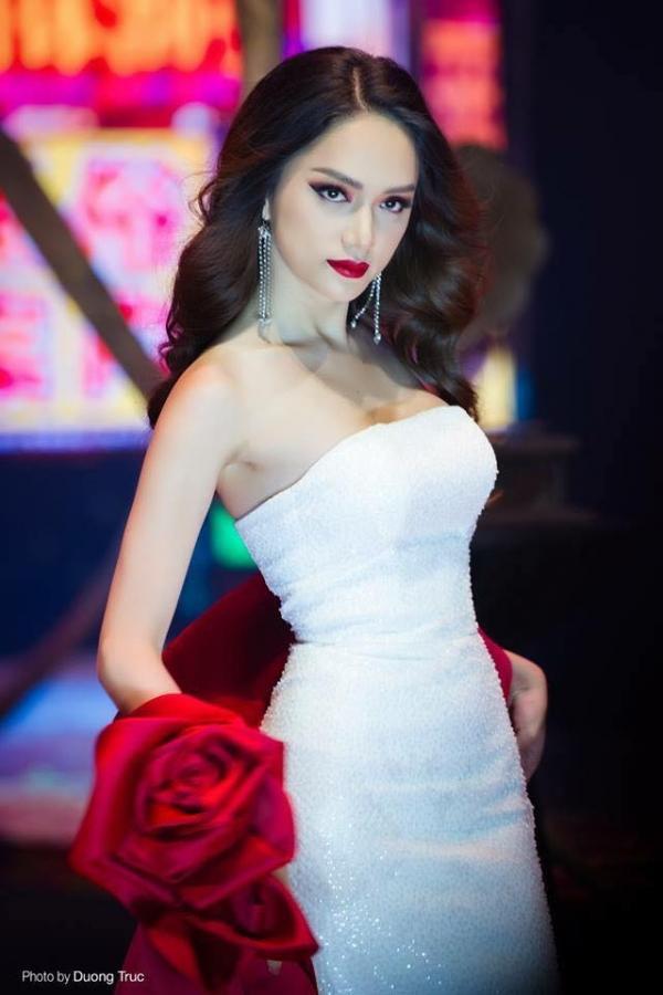 Trước Hoa hậu Trái Đất 2018 Phương Khánh, loạt bông hậu đẹp tuyệt trần cũng bị tố vô ơn, lừa thầy phản bạn-6
