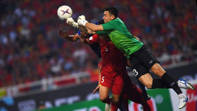 Cầu thủ tuyển Việt Nam: Người nghi án theo vợ bỏ cuộc chơi, kẻ bị mỉa mai ham showbiz quên nhiệm vụ-7
