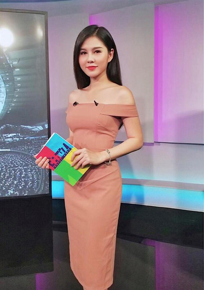 Bất ngờ trước danh tính của nữ phóng viên số hưởng được theo chân thầy Park chinh chiến tại AFF Cup 2018-3