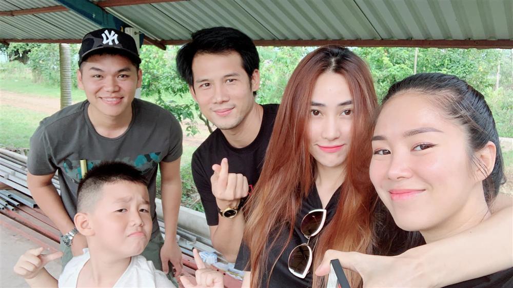 Phương Trinh Jolie hô hào mọi người xuống đường đi bão vì đội tuyển bóng đá Việt Nam-7