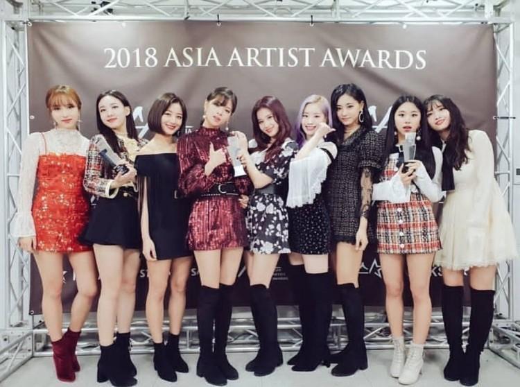 Kpop 2018 và những giải thưởng sinh ra… chẳng biết để làm gì!-2