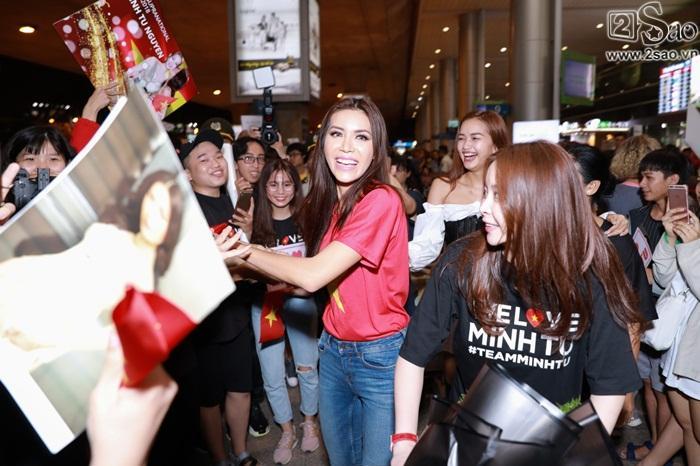 Minh Tú khiến sân bay Tân Sơn Nhất đông vui như trẩy hội khi trở về từ Miss Supranational 2018-3