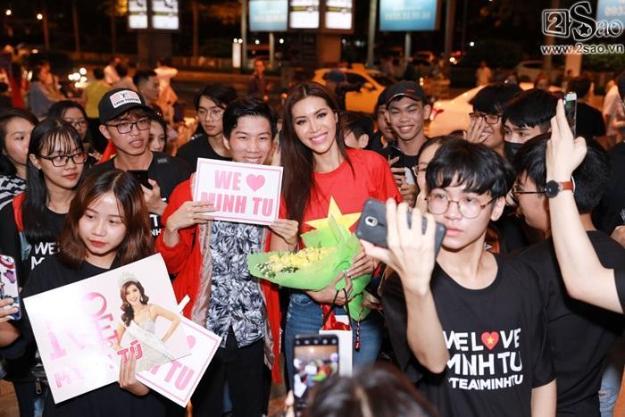 Minh Tú khiến sân bay Tân Sơn Nhất đông vui như trẩy hội khi trở về từ Miss Supranational 2018-6